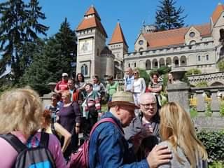 A Bory-vár Székesfehérváron, plusz néhány egyesületi tag
